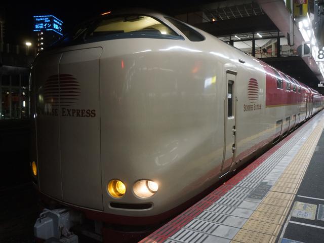 サンライズ出雲・瀬戸号(東京駅で撮り忘れたので岡山駅で)。今夜、この一室が寿司屋になるという。