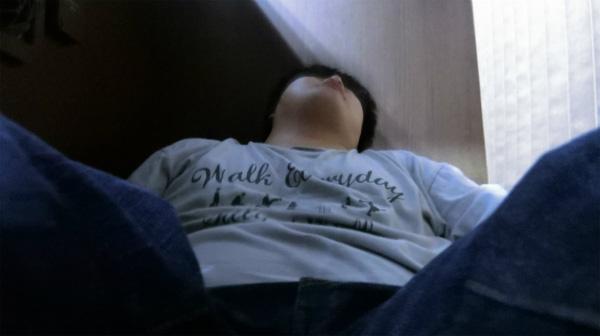 普通のバスだったらこんなに倒して寝ていたら後ろから怒られてイスをドンってされるがその心配がない。