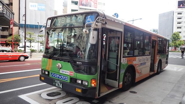 凛々しい姿の都バス