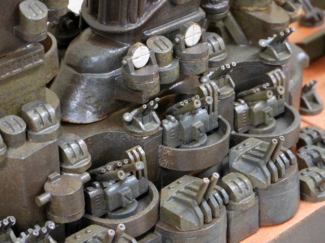 機銃の作り込みがすごいことになっている。これが全て陶器だなんて