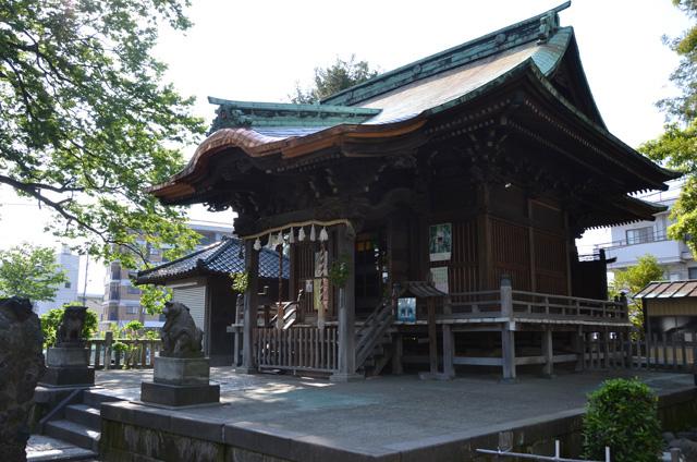 1872(明治5)年に建てられた社殿は今でも健在