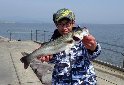 ハゼクチ釣りを案内してくれた小宮くん。当時高校生だが地元では「福岡のさかなクン」と呼ばれる有名人。現在は福岡県柳川市のやながわ有明海水族館の館長さん。