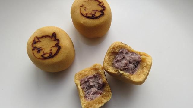粒あんをきな粉で包んで焼いてある、ただのお饅頭とかじゃないのがちゃんとしたお菓子屋のすごいところ