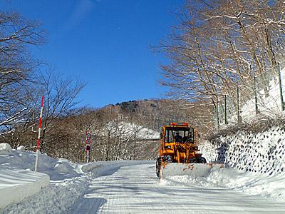 そして除雪が必要なほどの雪国ゾーンに突入。