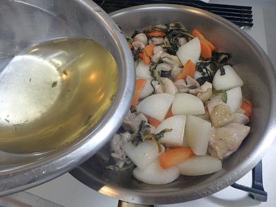 煮るときは、一度煮立ったら火を止めて、冷めてからまた火を入れるのを何回か繰り返すと味がしみます。