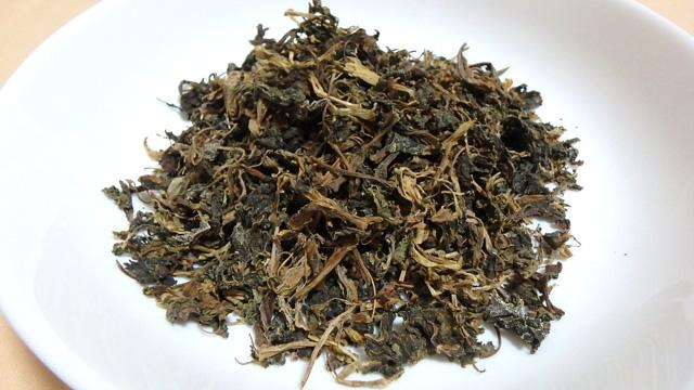 枯草ではありません。醗酵させて乾燥させた青菜。グンドゥルックです。