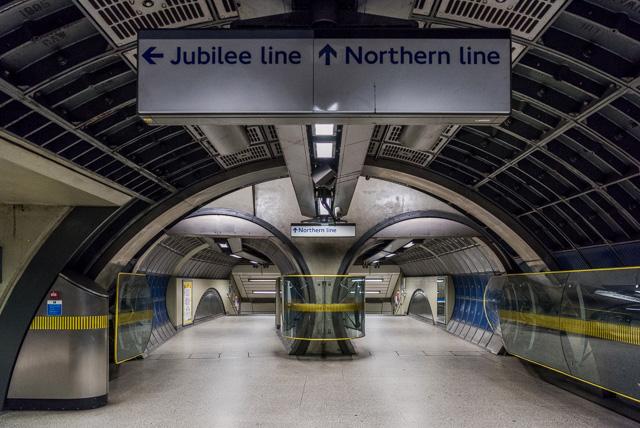 ロンドンの地下鉄に似てる。