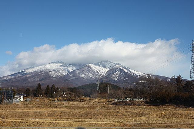 八ヶ岳を南側から見たとこ。雲が掛かっていて、嫌な感じである。