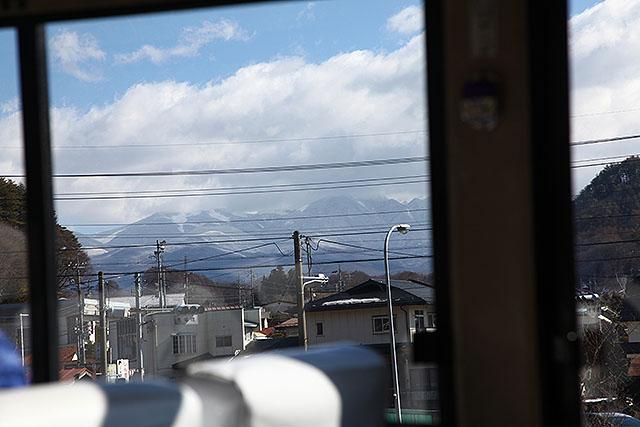 バスの中からも雲が掛かった八ヶ岳が見えた。嫌な予感しかしない。