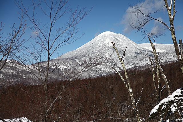 蓼科山。プリンの様な形で、遠くからでも判りやすい。