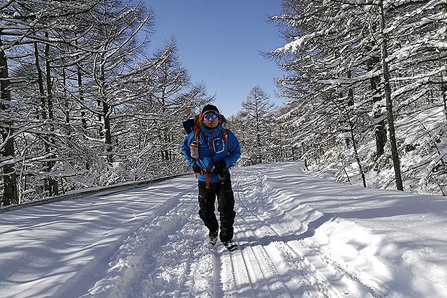 サクサク歩いていく。歩きやすい。圧雪されていなければもっと時間が掛かっただろう。