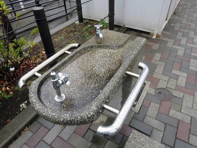 丸型だけど手洗い場もついてやや面長なタイプもあった