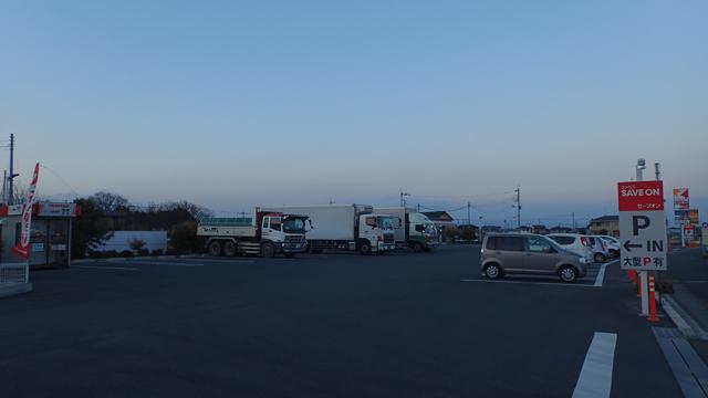 埼玉と群馬の県境にほど近い本庄沼和田店。お店が見えないくらいに広大な駐車場