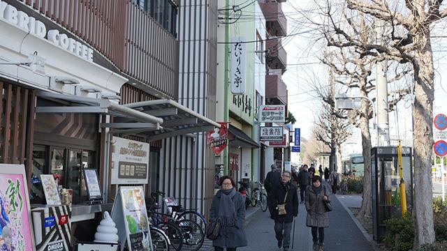衣笠山から一番近そうな衣笠丼の店に。だいりき亭