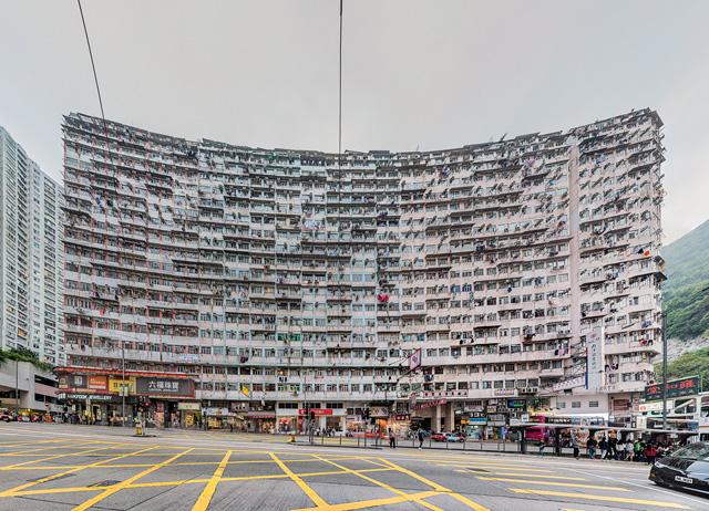 いま香港で最も抱かれたいビルNo.1である。ウェルカムな両翼の湾曲具合がセクシー。