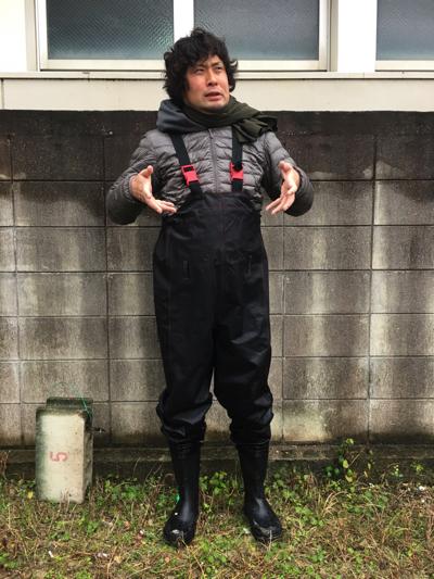 寒い!!沖縄でダウンにウェーダーなんて格好をすることになるとは。