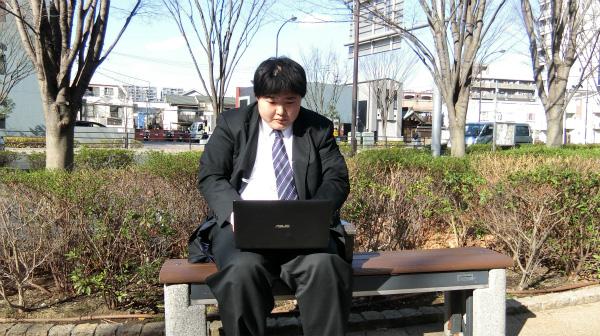 ちなみに公園で書いている人は1人もいませんでした。