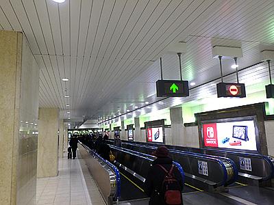 東京駅から蘇我駅までの電車移動も長いが、東京駅内の京葉線のホームまでの移動も結構長い。1駅分ぐらい歩く