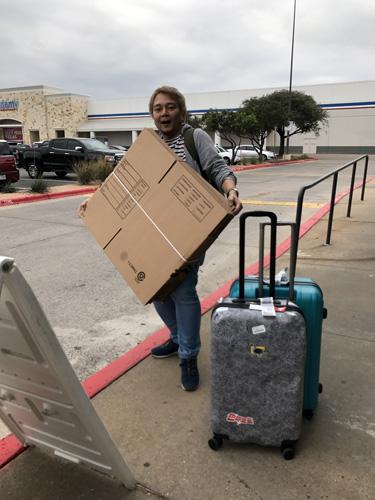 デカ顔のレンズにぴったりの箱が買えたうえに、テキサスはじめてデス(英語)と言って店じゅうの人に「Welcome to Texas!」と言われて歓迎される。