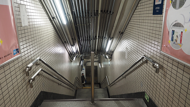 どこまで改装するのかわからないけれど、天井に露出されている配管なんかも見えないようになるかもしれない。