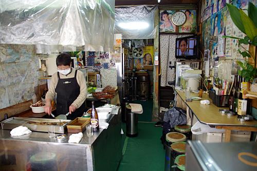 店の奥が住居というところがチエちゃんの店と同じなので高ポイント。