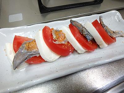 鮒寿司とモッツァレラだけでも結構いけるはず。