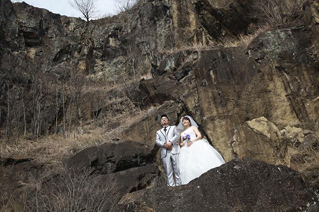 断崖結婚写真2。