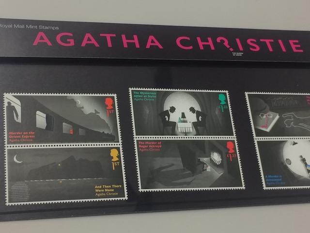切手の図案に謎解きが隠されている