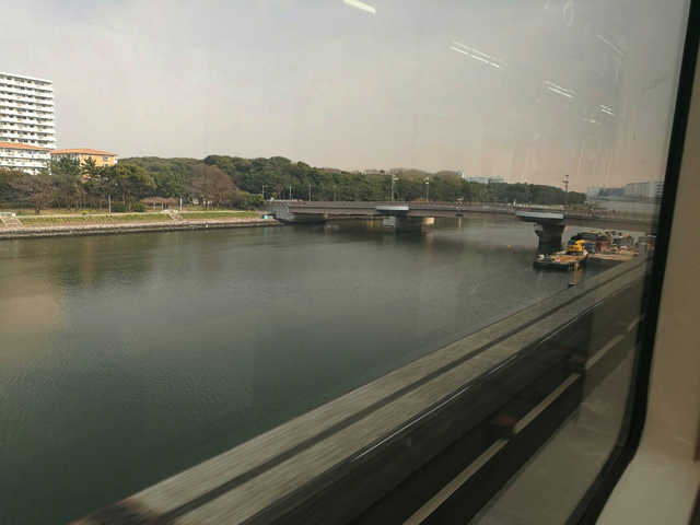 関係ないけど久しぶりに東京モノレール乗った。モノレールって無駄にテンション上がる。景色もキレイでいい。
