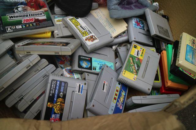 ゲームソフトも全て100円。中には掘り出しものもあるかもしれない。