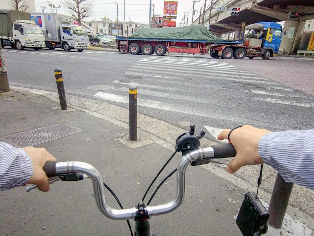 そうです。自転車です。免許もってないから。