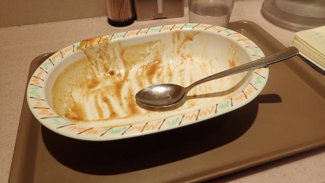 食べおわる数口前には、「おかわりしたい」という気持ちが芽生えていた