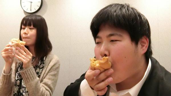 江ノ島茂道はこの時「申し訳ない」という気持ちになりながらシュークリームを食べていた。