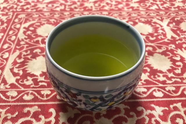 話を聞く時飲むのももちろんお茶。この日15杯目のお茶だった