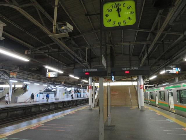 5時間におよぶ夜行列車の見送りもようやく終了!