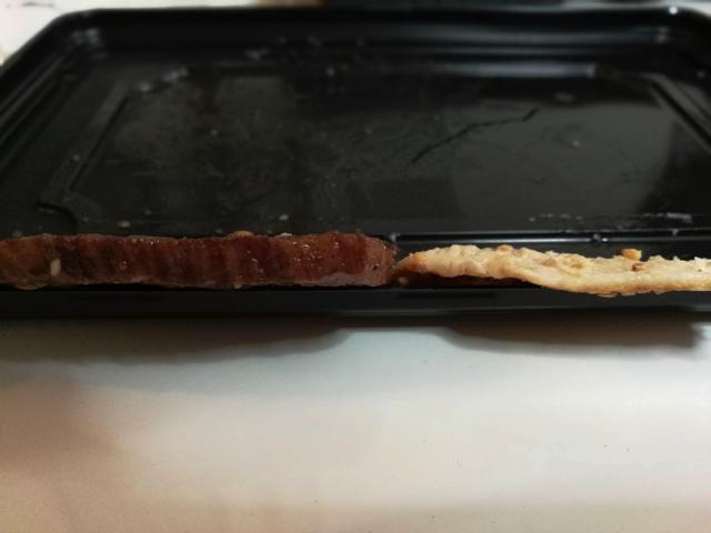 肉の分厚さを比べてみたらまったく違った。