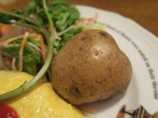 小ぶりのジャガイモそのまんま、味はついていない