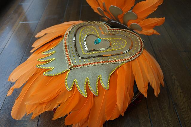背中はハートと羽根をモチーフに。私の貧しい装飾センスの全てを注ぎ込んだ。