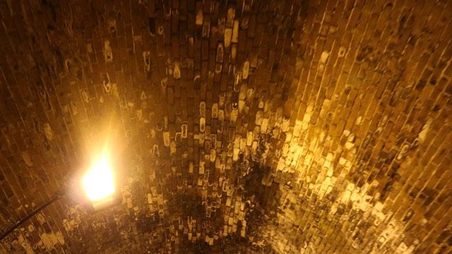 トンネルの中も勿論レンガ。圧巻です。