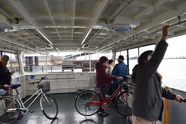 自転車に乗る人にとってはありがたすぎる渡し舟