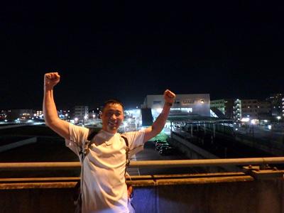 21時10分頃。約21km地点、鳩ヶ谷駅前通過!