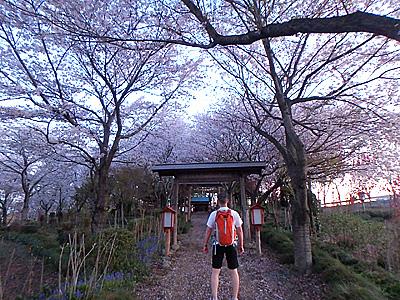 5時頃。約60km地点、茨城県古河市柳橋の香取神社寄り道。