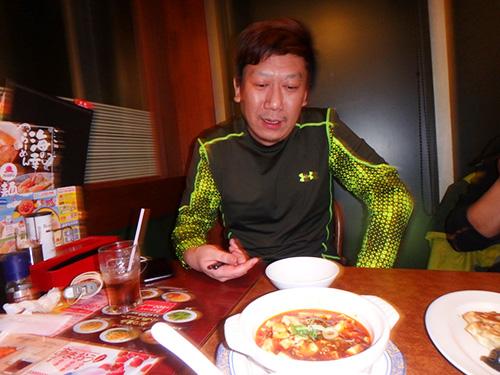 麻婆豆腐を食べて、「まぁまぁ美味しいけれど、豆腐が柔らかすぎる…もっとしょっぱいほうが好きかな」とのリアンくん(余談だが、彼はドリンクバーを頼んだのにコーラ一杯しか飲んでいなくてもったいなかった)