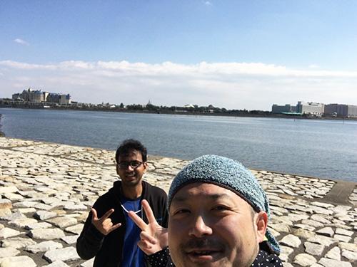 カレーを食べる前に一緒に海浜幕張公園をジョギングしながら、日本語の発音の話(「助長と上長と情緒」「走路と早漏」の差が難しいらしい)をした。  春めいた中を走れて楽しかった!