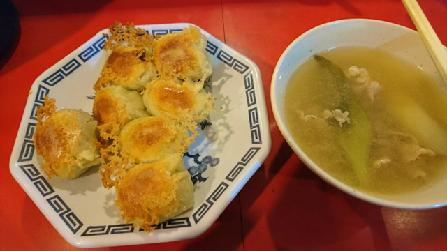 全体的に『汁物と一緒に食べると最高』のナンバーギョーザ。 寒い金沢の冬も、これがあれば越せそうだ