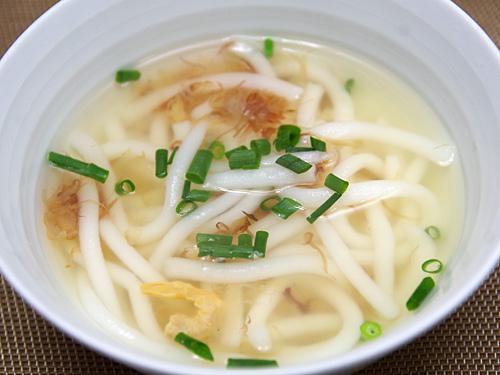 日本の食材で作った和風米苔目。これはこれで美味しいけどね。