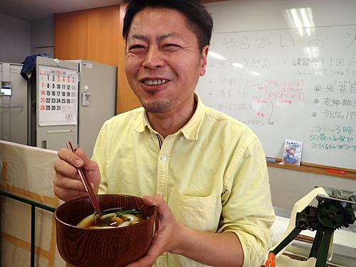 台湾で本物を食べた小松さんに試食してもらったが、「これは違うでしょー」とのこと。ですよねー。