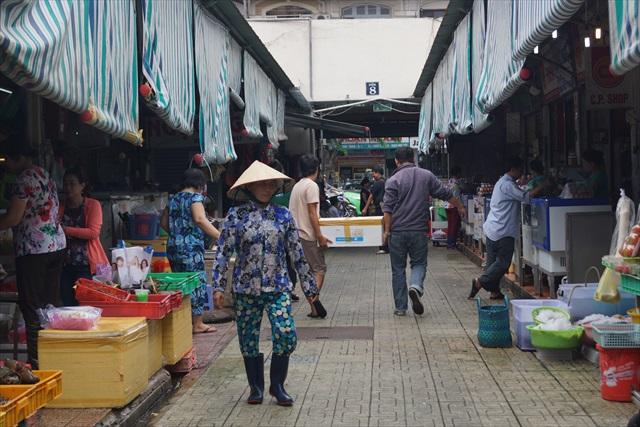 市場北側にある生鮮食品売り場!