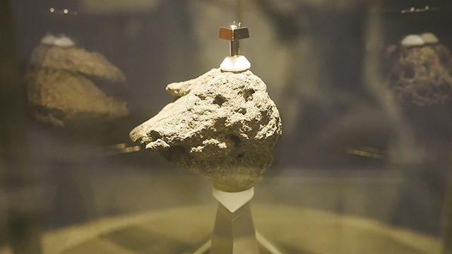月の石もあります!