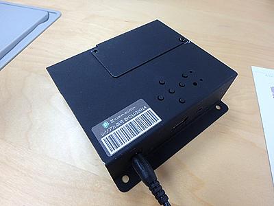 ビズライトテクノロジーのIoT用ゲートウェイ。BHシリーズ。小さいが能力は普通のPCと変わらない。
